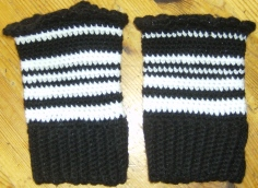 2015-12-06 - Black & White Wristers for Brex